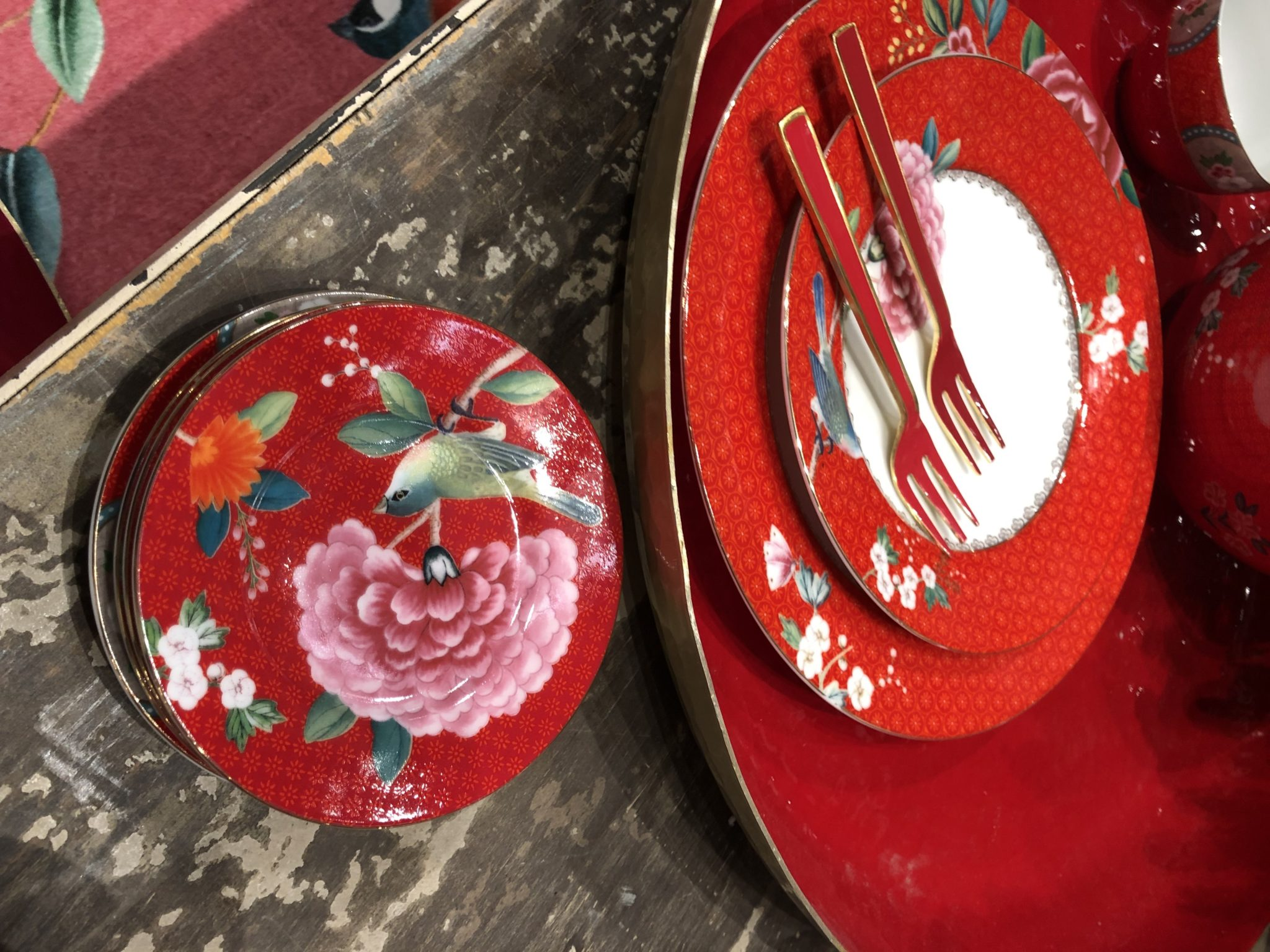 Blushing birds i rødt fra PIP porselen